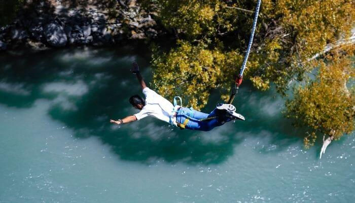 Bungee Jumping, Bungy Jumping
